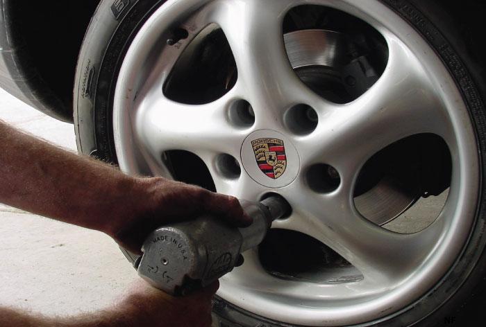 selling porsche wheels online